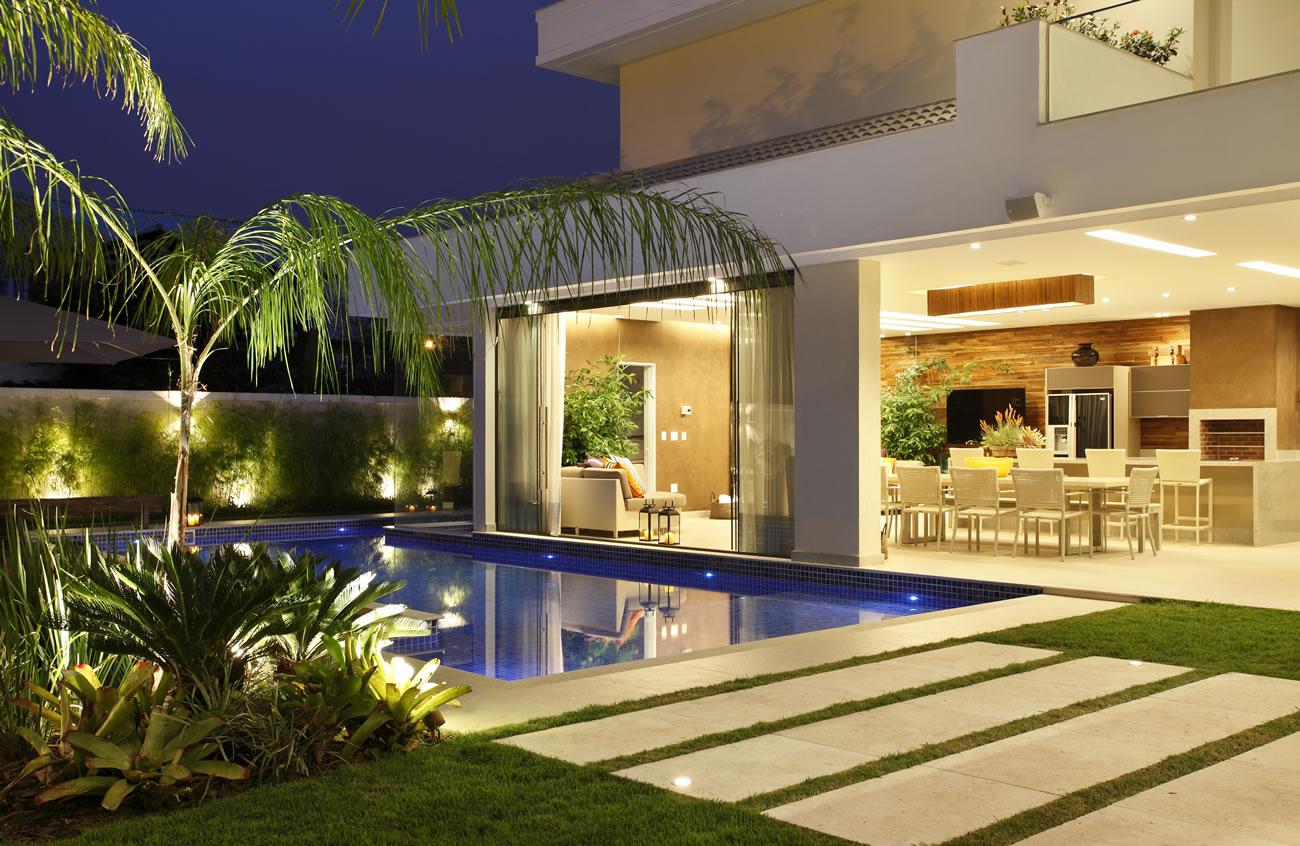 Area de churrasqueira com piscina projeto arquitetonico arquiteto rio  #AB8E20 1300 846